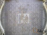 Mosaico de Aquiles y Briseida, en el oecus. Foto: PAC