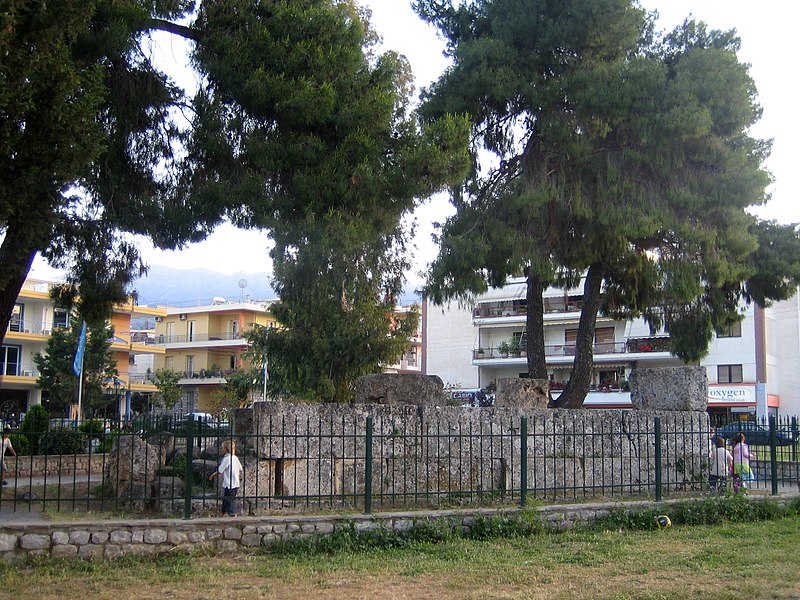 800px-Sparta_Tomb_of_Leonidas_2